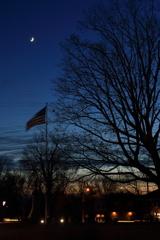 三日月と星条旗