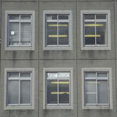 校舎の窓。