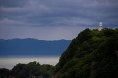 小山の灯台