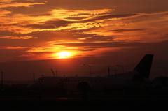 JAC SAAB340Bと夕陽