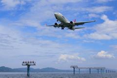 JAL B737-800 宍道湖からのアプローチ