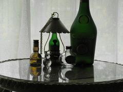 洋酒瓶とガラス細工