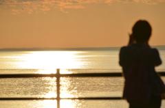 オホーツクの夕日撮影中