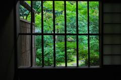 14枚の小窓