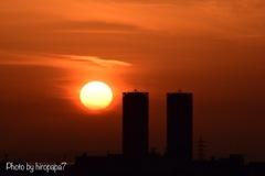 ツインタワーと夕日