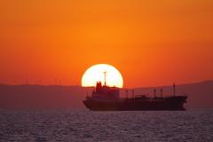 夕日と船2