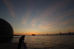 大阪港に沈む夕日 3