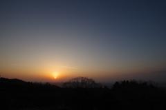 日の出 五月山から4