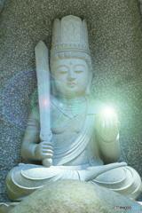 菩薩像の光