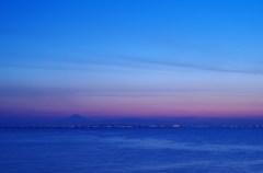 東京湾アクアラインと富士山