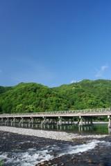 朝7時半の渡月橋