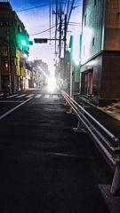 陽が落ちる街並み