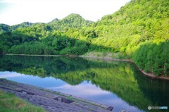 七時前のダム湖2