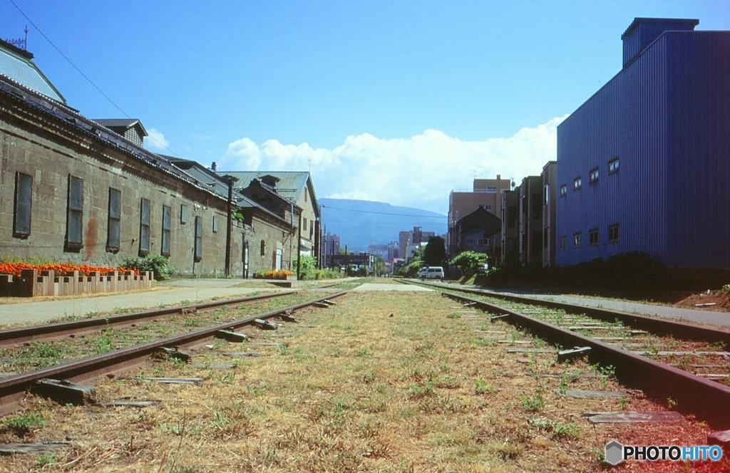 夏の日の旧線路・・・・