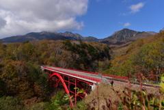 秋深まる東沢橋