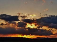 第二千四百八作 「山が山へと 連なつて ゆふぐれ」 広島県三原
