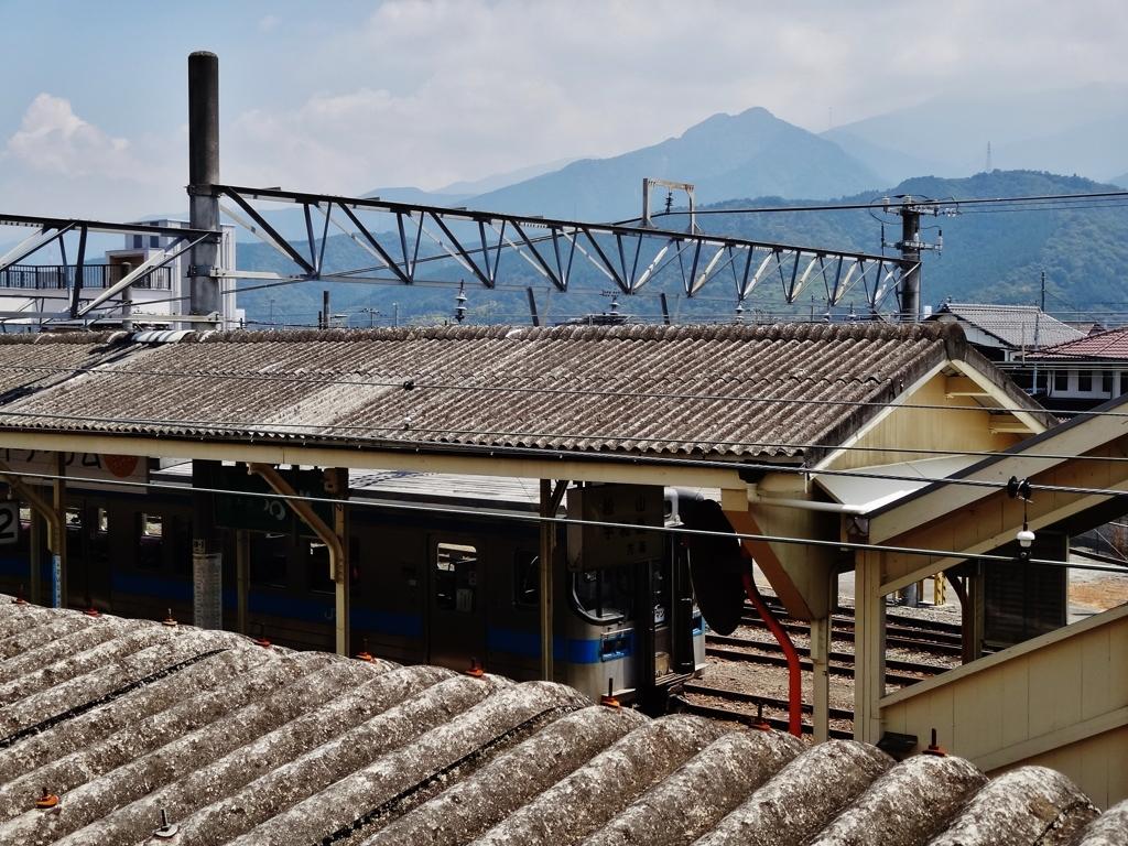 第二千二百五十一作 「なんとなく夏褪せた 汽車の客のひとりとなる」 愛媛県西条