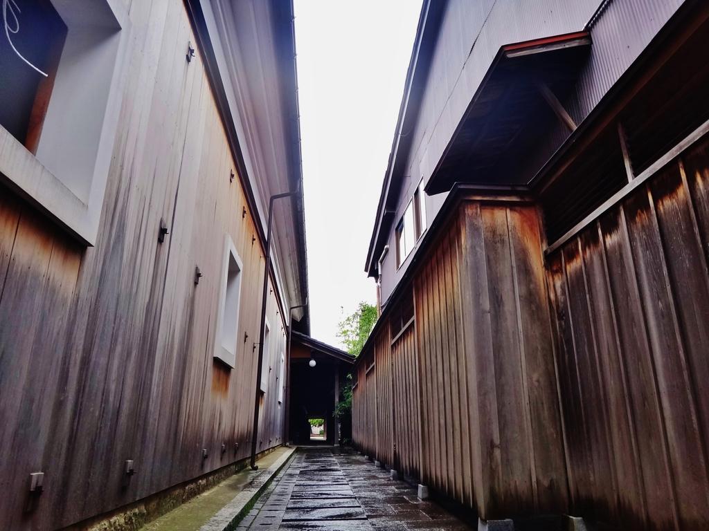 第二千六百四十七作 「時雨るる 独りの 酒をすする」 富山県岩瀬