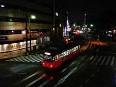 第二千四百九作 「家路急ぐ 人の背中の 旅の空」 熊本県熊本