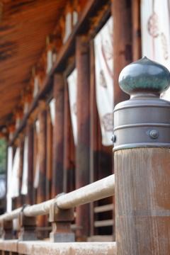 鐘が鳴る、透く風流るる法隆寺