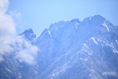 春めいて来た立山連峰剱岳・・なんとなくぼやけて
