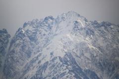 空は灰色だけど・・やはり気になる雪の立山剱岳