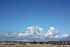 浜より見る秋の青空