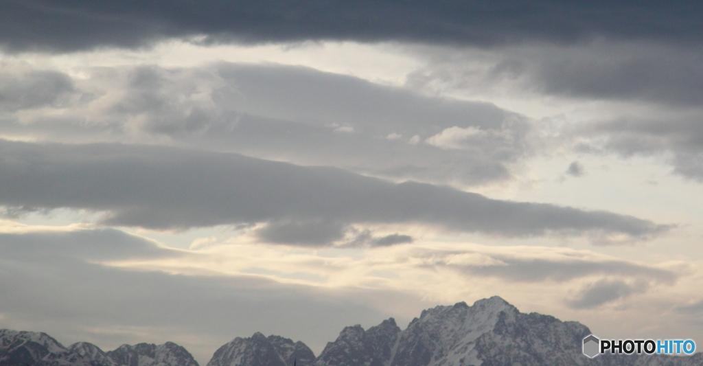 大風の朝の立山連峰