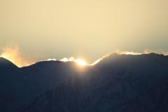 今まさに日の出の瞬間 立山連峰
