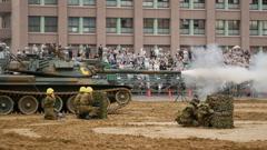 P1100590 4Kフォトで74式戦車砲煙