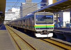発車直後の列車を流す