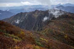 鬼ヶ面山へ続く稜線