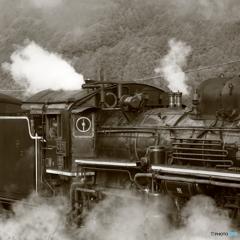 無骨な蒸気機関車