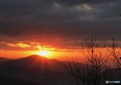 朝日よりの光芒