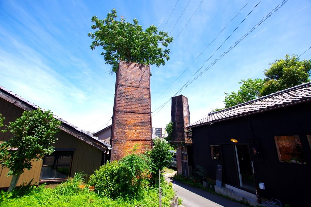 レンガ造りの煙突のある風景#1 @常滑やきもの遊歩道