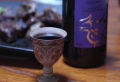 赤ワインとスペアリブ @ 常滑焼