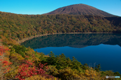 火口湖の朝Ⅱ