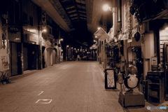 アーケード街 in the night