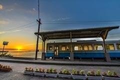 夕焼けの下灘駅