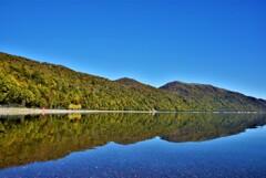 秋晴れの支笏湖ブルー♪