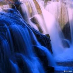 明・暗の滝