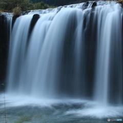 名も知らない滝