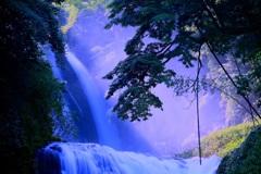 ・・幻想滝・・