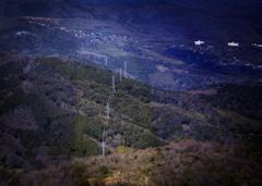 DSC00883 電気は山を越えて送られて来る