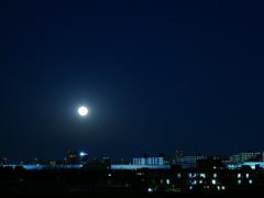 また昇る月