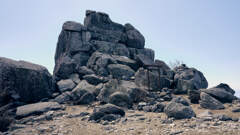 厳粛五丈岩
