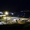 夜の貨物ターミナル