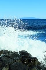 迫り来る波