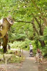 恐竜の住む森