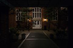 寝静まる学生食堂